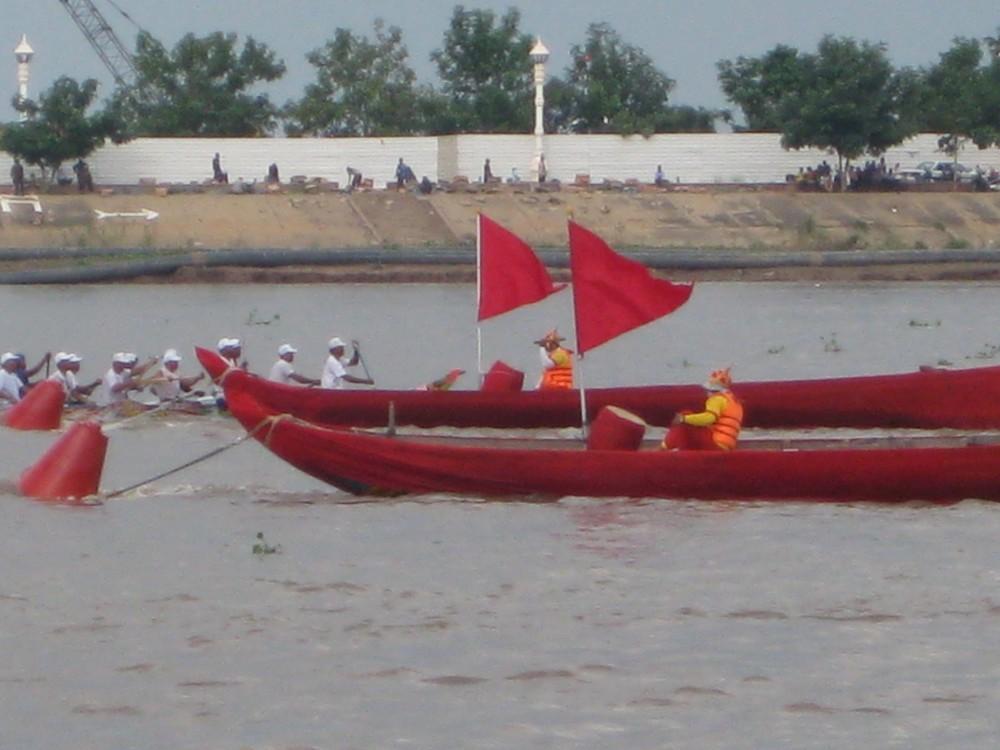 Cambodia's Water Festival (Bonn Om Touk) (4/6)